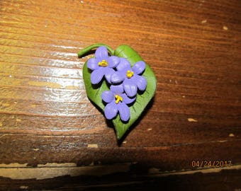 Beautiful Vintage Leather Brooch Purple Violets Signed Canada