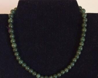 Vintage jade bead strand necklace