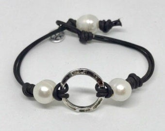 Pearl and Leather Circle Bracelet #1008