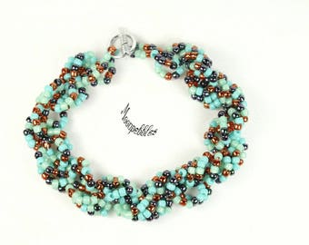She Sells Seashells turquoise beaded bracelet