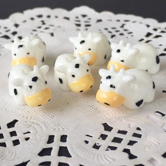 2 pcs.13x19mm.Miniature Cabochon Cow,Miniature Cow ,Miniature animals Cabochon,Resin,Miniature Sweet,Jewelry DIY