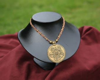 Macrame and brass necklace