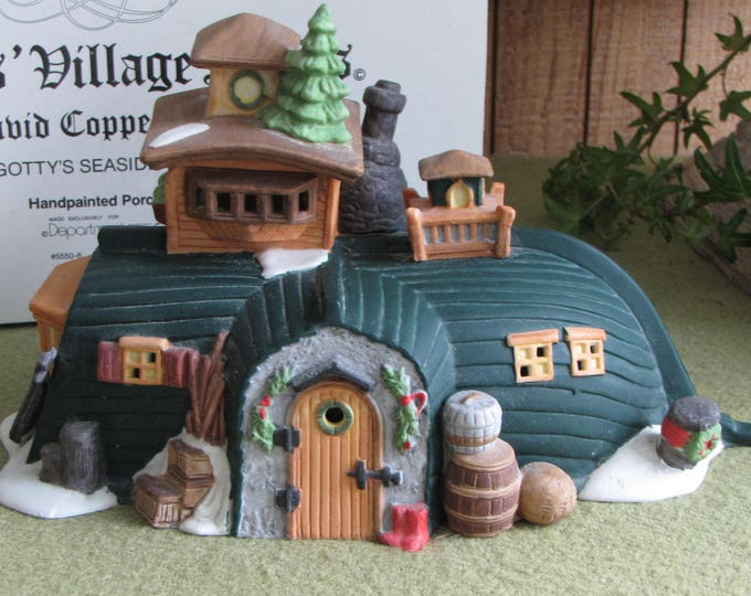 Dicken's Village Series David Copperfield Peggotty's Seaside Cottage Hand Painted Lighted Porcelain Retired 1989-1992