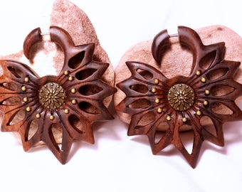Fake Gauges, Fake Plugs, Hippie, Handmade Wood Earrings, Tribal Style - Starfish Flower Brown