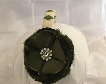 Headband- olive green Flower Headband- Girl Headband- Gift for girl- headband- ivory Headband- olive flower- hair accessory- green