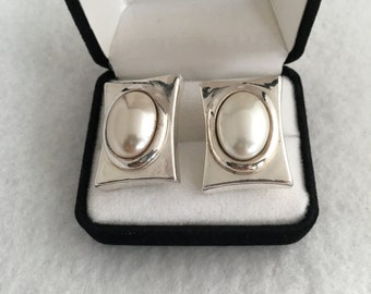 Designer Simon Sebbag SSD Runway Haute Couture Faux Pearl Dome Relief Box frame Bezel Setting Clip On Earrings 925 Sterling Silver