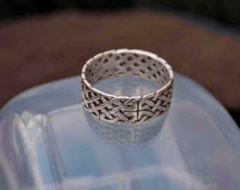 Vintage 925 Silver Celtic Knotwork Scarf Ring