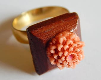 Vintage Celluloid wood mixed plastic floral peach Antique adjustable ring