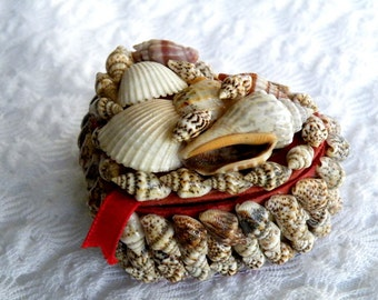 Heart Shape Sea Shell Box, Miniature, Jewelry, Ring, Trinkets, Valentine's Day, Engagement, Beach Wedding, Red Lining