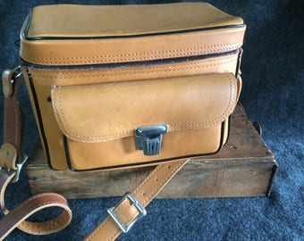 Vintage leather camera bag  The Sportsman