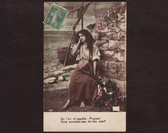 Gypsy girl with lute, French mignon postcard - Hand tinted, edwardian, woman, belle epoque, antique greeting card - ca 1905 (V4-30)
