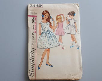 Vintage 1963 Sewing Pattern Simplicity 5249 Girl's Dress Size 6 Breast 24 inches