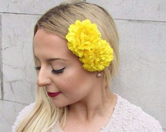 2 x Yellow Marigold Flower Hair Clips Vintage 1950s Bridesmaid Rockabilly 2710