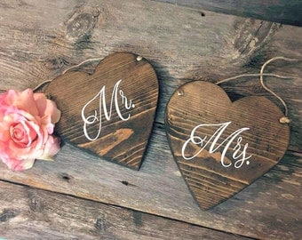 Mr and Mrs Heart Shaped Chair Signs | Wedding Chair Signs | Wedding Decorations | Rustic Outdoor Wedding | Fall Wedding | Mr and Mrs Signs