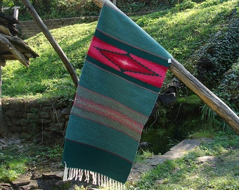 Green and rosy rug, green kilim rug, handwoven wool rug, boho rug, green boho rug with rosy motigs