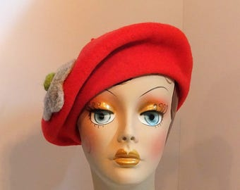 Woman's Fine Wool Beret/Tam Warm Red