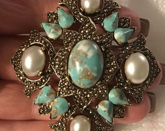 Vintage Sarah Coventry pin turquoise & pearl