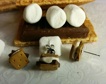 S'mores studs