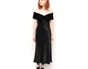 Vintage 90s Black Dress/ Off The Shoulder 90s long Dress / Vintage Evening Dress S