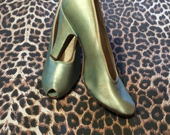 Vintage 1940s 1950s Mint Green Satin Peep Toe Pumps Shoes - size 35 1/2