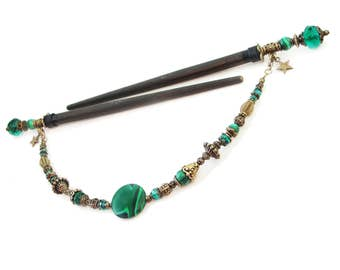 Set of 2 japanese wooden hair sticks with malachite gemstone green fine crystals - kanzashi hair pins wood, chopsticks - removable pendant