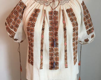 Vintage 1920s Blouse /Folk Romanian Embroidered Peasant Blouse-FREE SHIPPING!