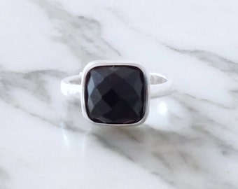 Ring Silver 925 set of a black Agate faceted. Ring 'Carla' by By Joëlle