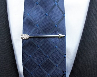 Arrow tie bar. Arrow tie clip. Tie bar. Tie clip. Silver tie bar. Groomsmen gift. Groom tie clip. GET 25% OFF! Coupon Code: FREETCLIP