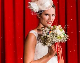 Mini top hat, Wedding top hat, Bridal hat, Top hat fascinator, Bridal headpiece, Wedding fascinator, Made to orde