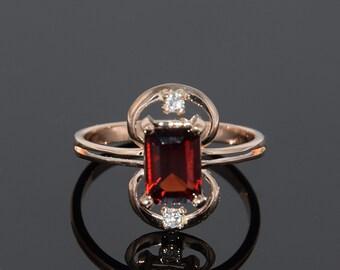 Garnet ring, Red stone ring, Geometric ring gold, Art deco ring, Birthstone ring, Gemstone ring, Garnet ring gold, January birthstone