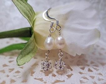 Bridal pearl earrings, Freshwater pearl Bridal earrings, Freshwater pearls & rhinestone beaded Bridal party earrings, Pearl Bridal earrings