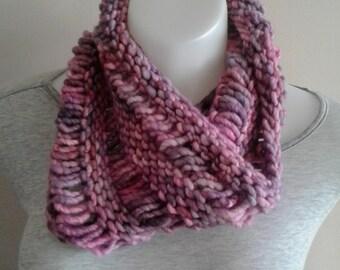 Cowl, Handknit, Chunky, Knit, Drop-stitch, Pink, Lavender