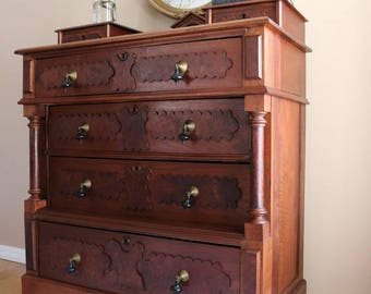 Antique Dresser from late 1800's to Early 1900's,Vintage, Antique,Dresser,Restored Antique Dresser,Antique Furniture,Chest of Drawers,Rustic