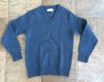 Vintage PURITAN Shetland Wool Blend Red V Neck Sweater Small USA Ivy League Trad