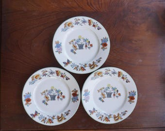 Three old beautiful decorated plates Stadtlengsfeld / Felda Germany 1908 - 1920, porcelain decorated with flowers, birds, butterfly
