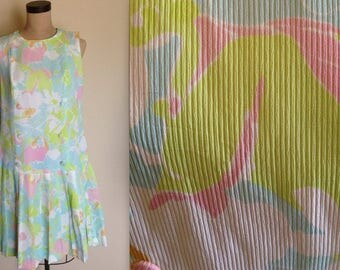 """Vintage Pastel Abstract Floral Summer Dress With Drop Waist, Pleated Skirt and 6 Covered Buttons, 1960s, Large Size, B38"""" W36"""""""