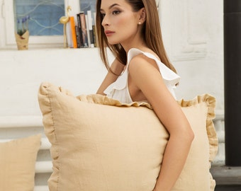 Sand colour linen pillow case with ruffles, stonewashed.