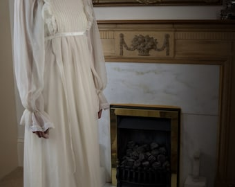 Amy 1970's Vintage Wedding Dress
