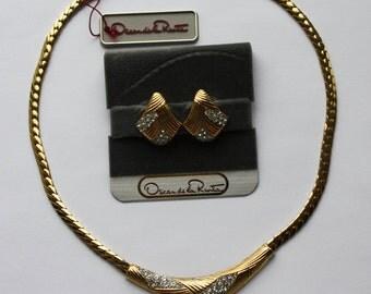 Vintage necklace and earrings Oscar de La Renta. Vintage Jewellery set. Gold tone earrings. Gold tone necklace. Rhinestones.