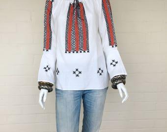 Vintage 70s Embroidered Peasant Blouse//Bohemian Cotton Folk Floral Boho Hippie Ethnic Festival Top