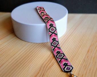 Japan x Brazil Collection - Miyuki beaded bracelet - Black and pink pattern
