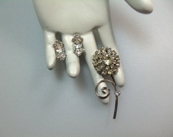 Vintage Silver Tone Prong Set Clear Rhinestone Petite Flower Pin Brooch and Screw Back Earrings Set