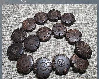 "COCOWOOD WOOD BEADS - natural dark brown color - 30mm ""flowers"" - 15 pieces package"