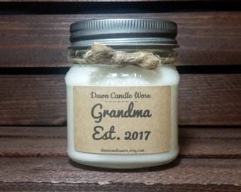 New Grandma Gift - 8oz Soy Candles Handmade - Mom Promoted to Grandma - Baby Announcement - New Baby - New Grandparents Gift - Personalized