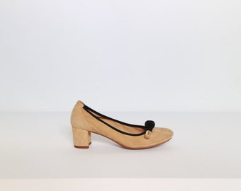 Vintage Women nude leather suede ballerina pump | Size 36 - 6, 6.5 | Made in SPAIN | With Knotted cord at front