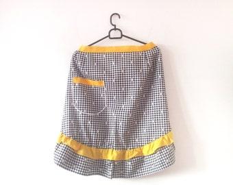 Vintage apron, cotton apron, vintage cotton apron, half apron, yellow, black and white, coffee apron, european, german apron