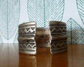 Ethnic style for woman Cuff Bracelet