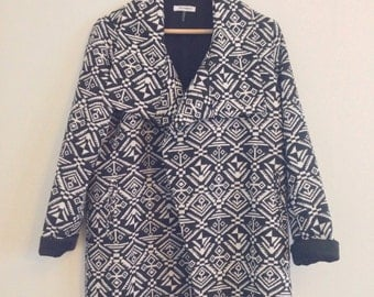 FREE US SHIPPING | Black and White Slouchy Blazer with Geometric Tribal Pattern | Large - See Measurements