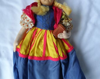 "Vintage 10.75"" Tall Dutch Cloth Doll Holding Pot of Flowers  1356"