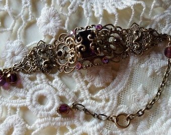 SWEET CHERRY. Enigmatic Victorian Gothic bracelet with crystals of sweet pink garnets.